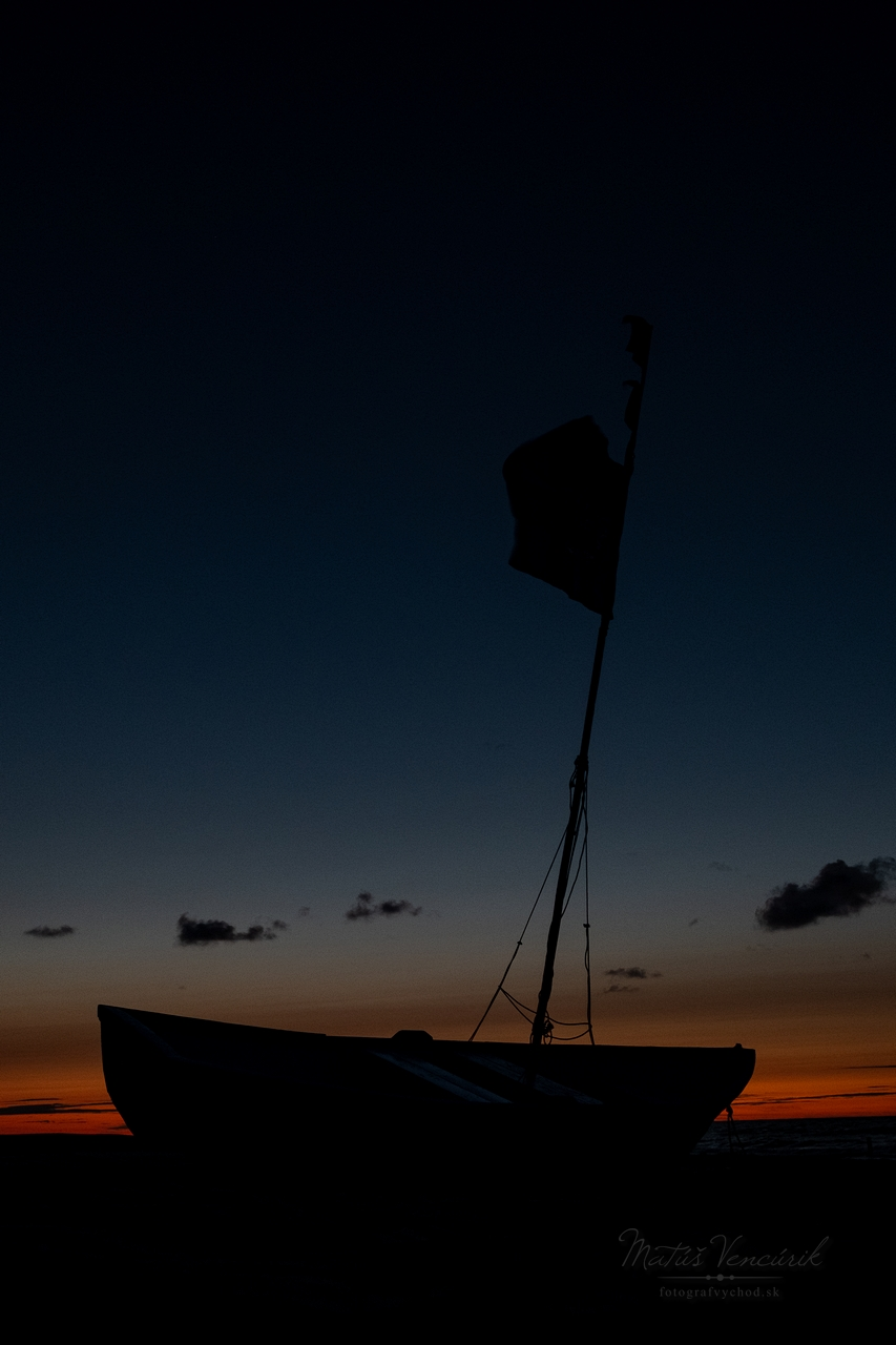 plaz kuznica polostrov hel polsko lod statek baltske more baltik sunset slnko zapad slnka
